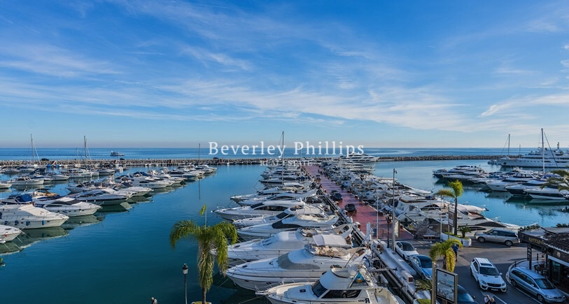 Top floor apartment Puerto Banus