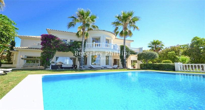 Villa for sale Altos de Los Monteros