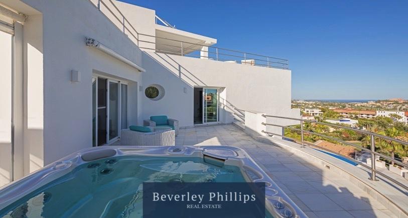 Outstanding villa La Quinta