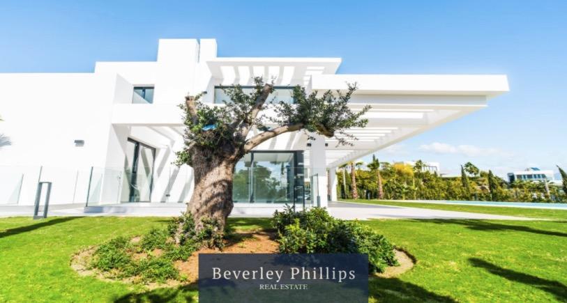 New villa for sale Los Flamingos